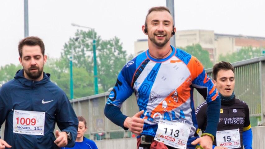 Mercer-marathon_2560x1440_acf_cropped