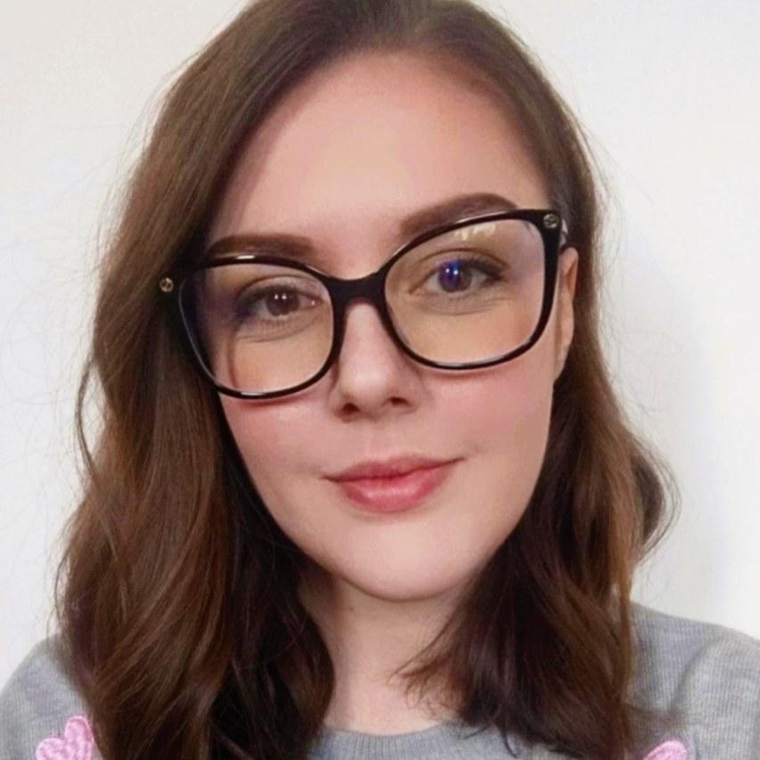 Hannah-aspect-ratio-2560-2560